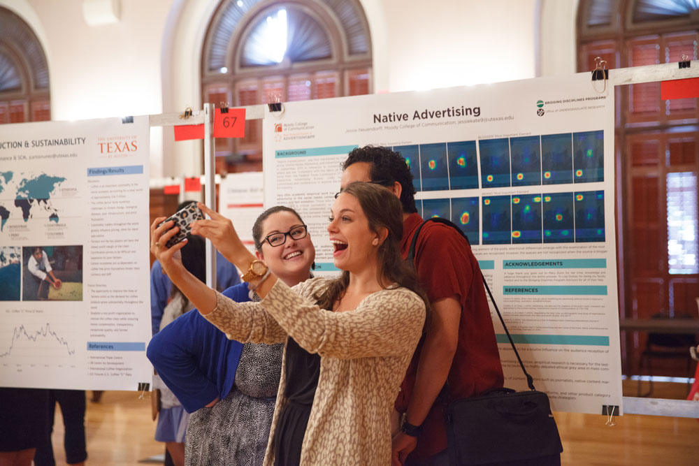 Students at the 2015 Longhorn Research Bazaar